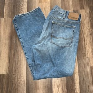 USED AMERICAN EAGLE 38x32 light wash jeans